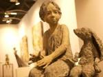 Zwar ein krasser Gegensatz - doch dieses kleinen Mädchen mit dem Häsi aus Bronze hat es mir wirklich angetan!