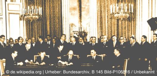 Bundesarchiv_B_145_Bild-P106816,_Paris,_Unterzeichnung_Elysée-Vertrag