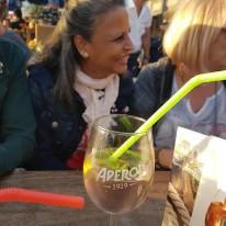 Bernadette mit Apéro